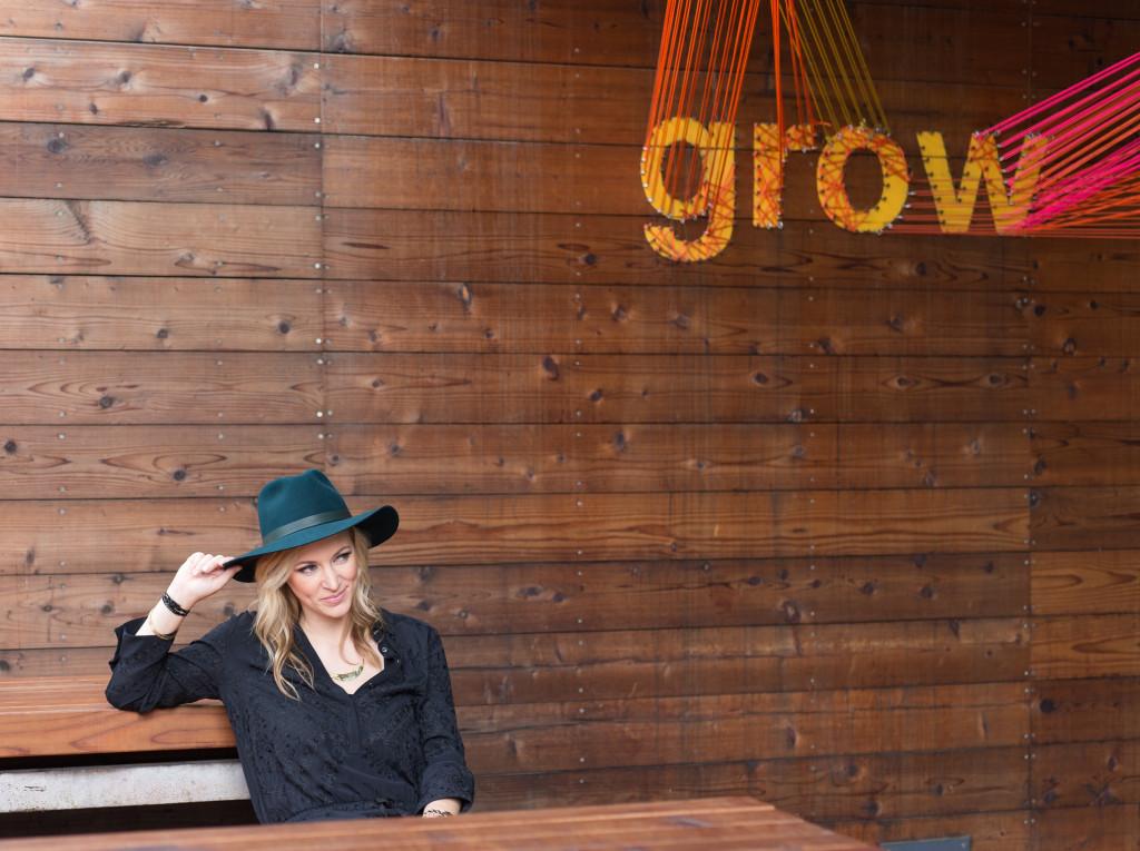 EPSTEIN-2015-01-29-0264 Janessa Leone Hat
