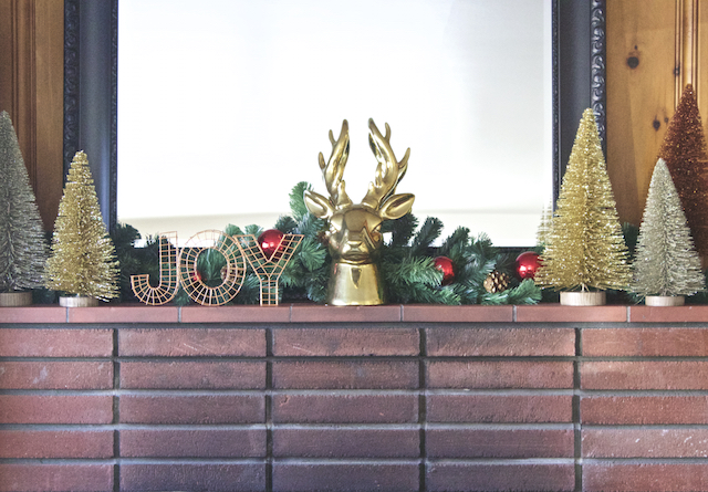 holiday mantle decor