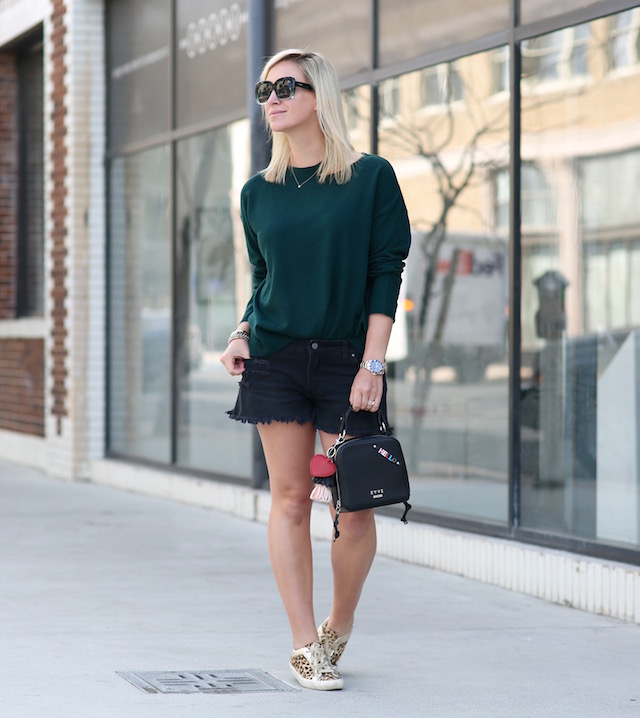 BP denim shorts, EVIDNT sweater, Evve Milano handbag, Sam Edelman sneakers