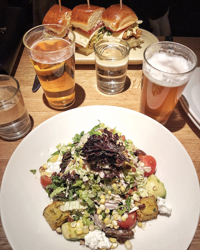 Lunch at the White House Tavern in Aspen, Colorado   My Style Diaries blogger Nikki Prendergast